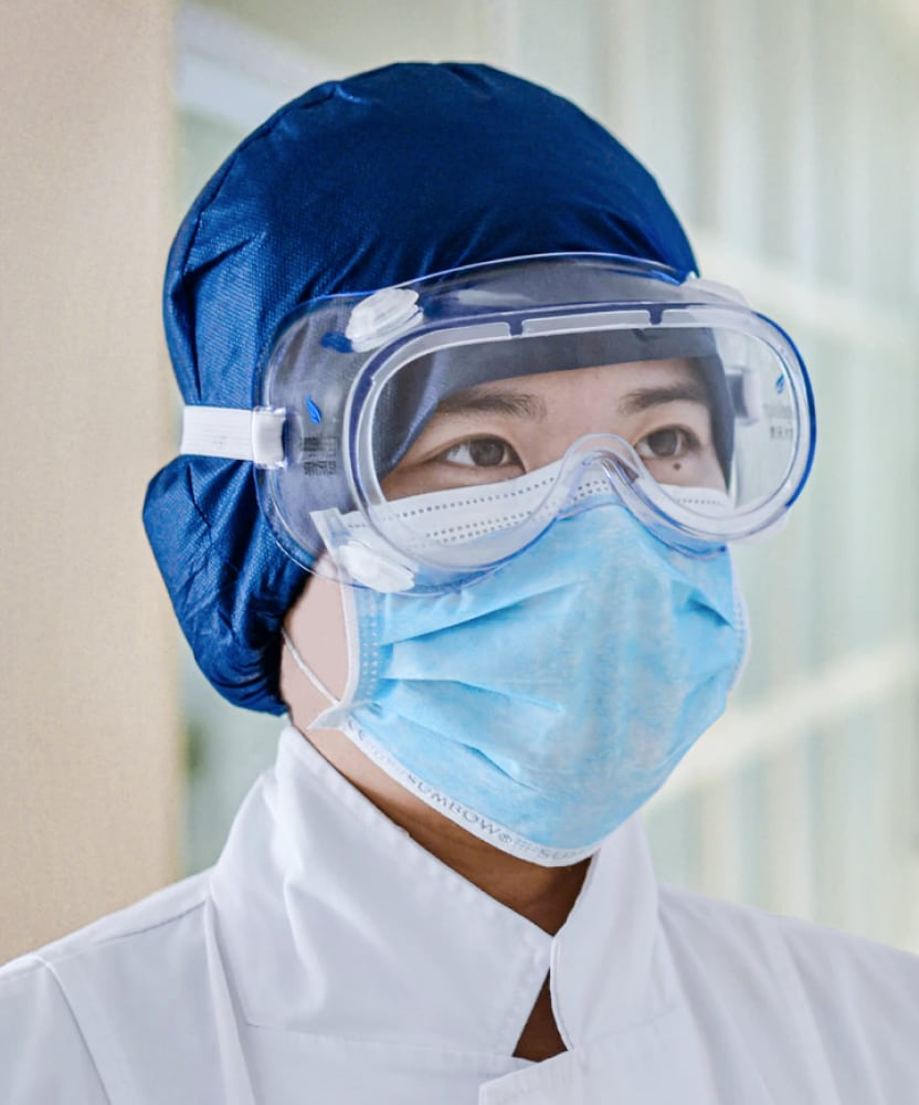 Bumrungrad hospital doctor PPE